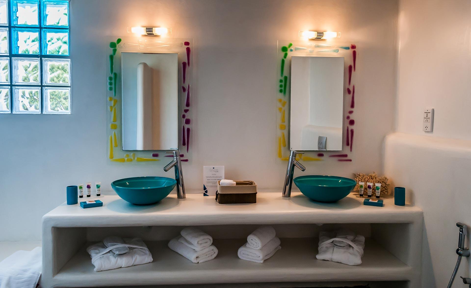 The Zephyrus Suite Bath